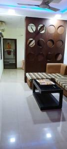 Gallery Cover Image of 1150 Sq.ft 2 BHK Apartment for buy in West Marredpally for 8000000