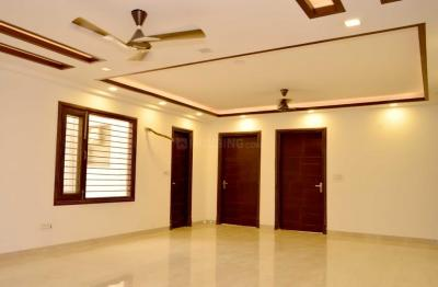 Gallery Cover Image of 2718 Sq.ft 3 BHK Independent Floor for buy in Sector 75 for 7000000