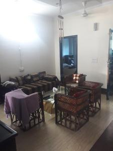 Gallery Cover Image of 1400 Sq.ft 3 BHK Independent Floor for buy in Sector 55 for 8500000