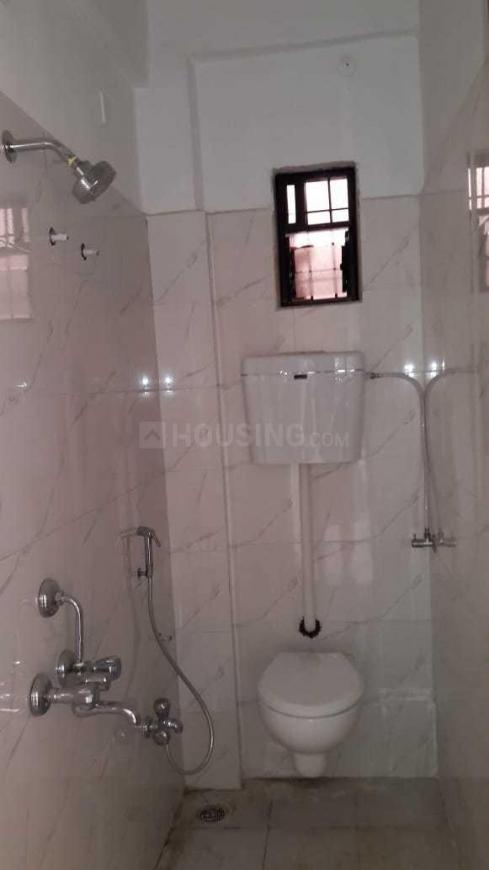 Common Bathroom Image of 950 Sq.ft 2 BHK Independent House for rent in Tingre Nagar for 14000