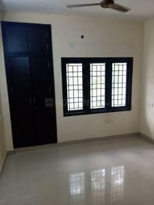 Gallery Cover Image of 1480 Sq.ft 3 BHK Apartment for rent in Ekkatuthangal for 35000