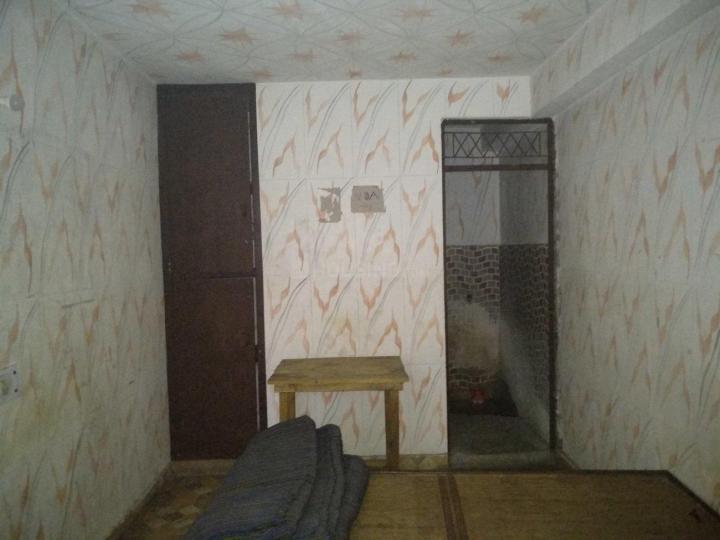 खानपुर में साई कुटिव के बेडरूम की तस्वीर