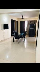 Gallery Cover Image of 2400 Sq.ft 4 BHK Apartment for rent in Satguru Apartment, Sector 52 for 43000