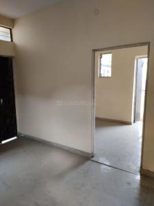 Gallery Cover Image of 310 Sq.ft 1 BHK Independent Floor for rent in  Sector 2 Rohini for 7000
