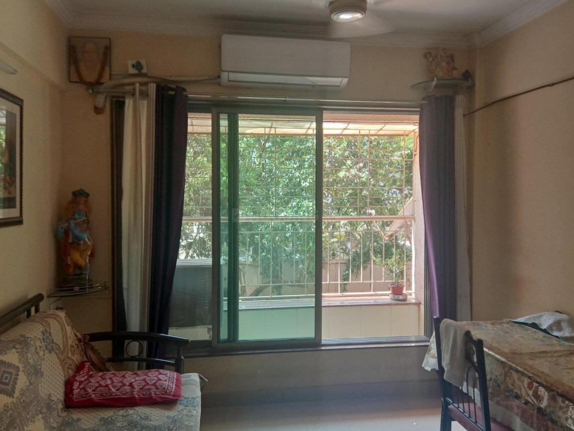 Living Room Image of 700 Sq.ft 2 BHK Apartment for rent in Vardhaman Gawand Baug, Thane West for 19500