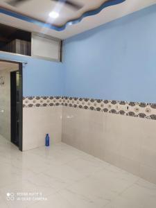 Gallery Cover Image of 280 Sq.ft 1 RK Apartment for rent in TakshilaSociety, Andheri East for 12000