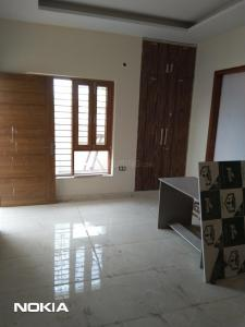 Gallery Cover Image of 2475 Sq.ft 3 BHK Independent Floor for buy in Sector 81 for 6400000