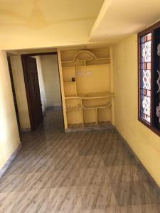 Gallery Cover Image of 1000 Sq.ft 2 BHK Independent Floor for rent in Sholinganallur for 8000