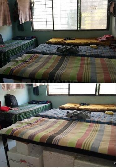 वसुंधरा एनक्लेव में बॉइज़ पीजी में बेडरूम की तस्वीर