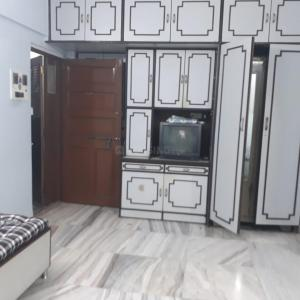 Gallery Cover Image of 650 Sq.ft 1 BHK Apartment for buy in Mulund East for 9000000