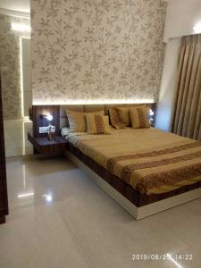 Gallery Cover Image of 1100 Sq.ft 1 BHK Apartment for buy in Kandivali East for 20500000