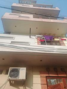 Gallery Cover Image of 580 Sq.ft 2 BHK Independent Floor for buy in Narela for 1800000