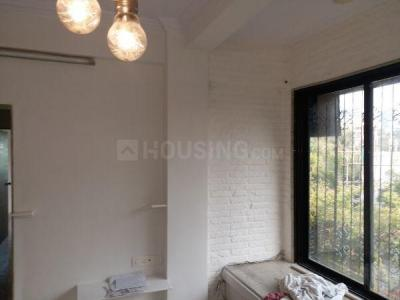 Gallery Cover Image of 850 Sq.ft 2 BHK Apartment for rent in Khar West for 85000