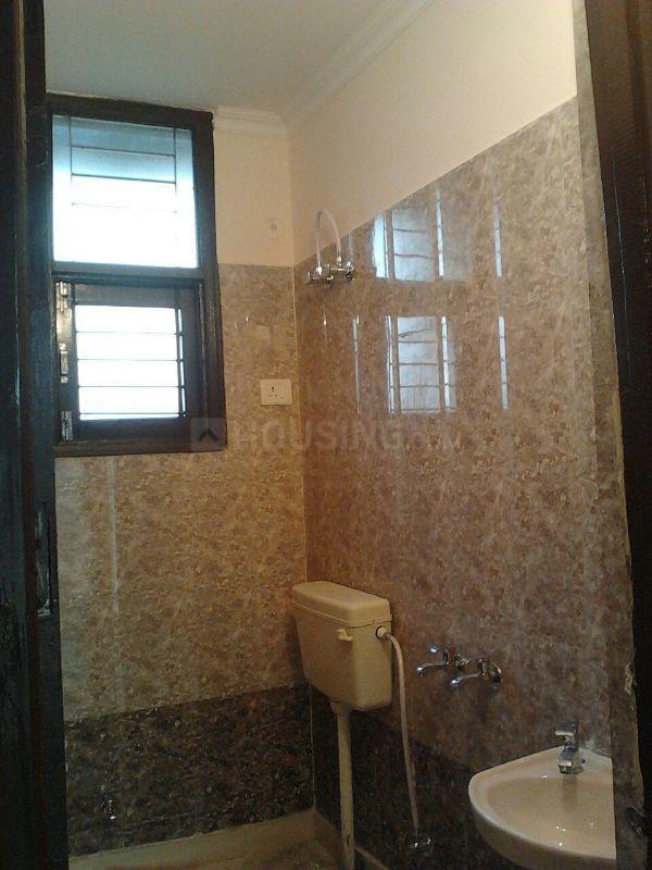 Common Bathroom Image of 500 Sq.ft 1 BHK Apartment for buy in Govindpuram for 923000