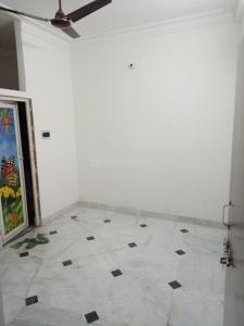 Gallery Cover Image of 400 Sq.ft 1 RK Villa for rent in Keshtopur for 5000