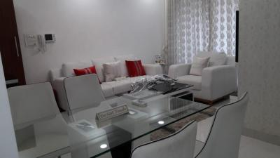 Gallery Cover Image of 1050 Sq.ft 2 BHK Apartment for buy in Royal Oasis, Malad West for 16500000
