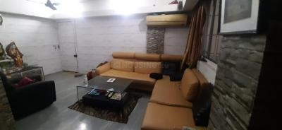 Gallery Cover Image of 825 Sq.ft 2 BHK Apartment for buy in Shree Ram Bhawan, Malad West for 10000000