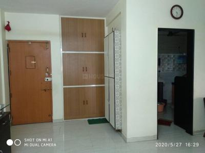 Gallery Cover Image of 840 Sq.ft 2 BHK Apartment for buy in Thane West for 14000000