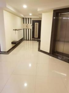 Gallery Cover Image of 960 Sq.ft 2 BHK Apartment for buy in Universal The Oasis, Belapur CBD for 13000000