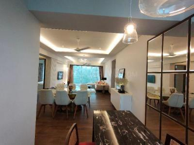 Gallery Cover Image of 3000 Sq.ft 4 BHK Apartment for rent in Juhu for 325000