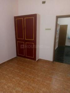 Gallery Cover Image of 900 Sq.ft 2 BHK Independent House for rent in Sembakkam for 10000