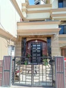 Gallery Cover Image of 3200 Sq.ft 3 BHK Villa for buy in Prithvi Palace Bungalow, Dahisar West for 60000000