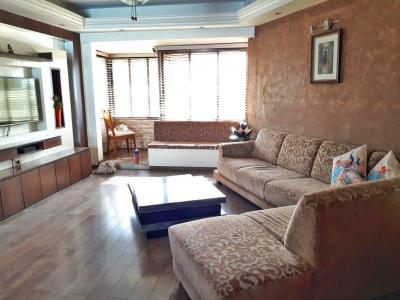 Gallery Cover Image of 1250 Sq.ft 3 BHK Apartment for rent in Bandra West for 120000