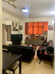 Gallery Cover Image of 1250 Sq.ft 2 BHK Apartment for buy in DLF Regency Park 1, Sector 43 for 12500000