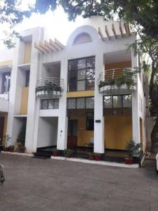 Gallery Cover Image of 5000 Sq.ft 4 BHK Independent House for buy in Nungambakkam for 230000000