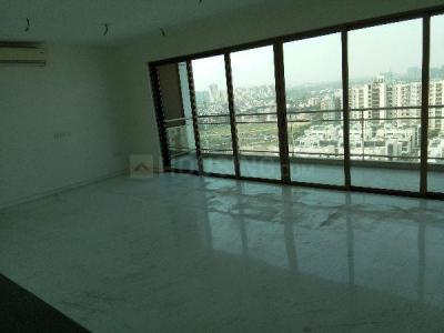 Gallery Cover Image of 2905 Sq.ft 4 BHK Apartment for rent in Sector 72 for 40000