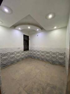 Gallery Cover Image of 950 Sq.ft 3 BHK Apartment for buy in KM Apartments, DLF Ankur Vihar for 2600000