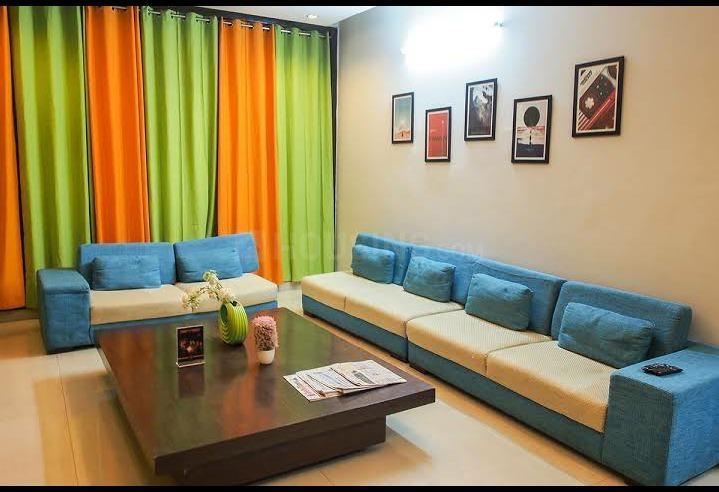 अदचिनी में कोहो पीजी में लिविंग रूम की तस्वीर