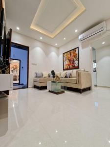 Gallery Cover Image of 920 Sq.ft 2 BHK Apartment for buy in M R Project 1, Miyapur for 4500000
