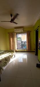 Gallery Cover Image of 340 Sq.ft 1 RK Apartment for rent in Royal Palms Piccadilly Condos, Goregaon East for 15000