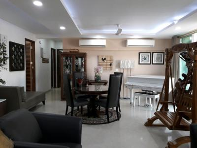 Gallery Cover Image of 2500 Sq.ft 5+ BHK Independent Floor for buy in Nahar Barberry – Bryony, Powai for 47500000