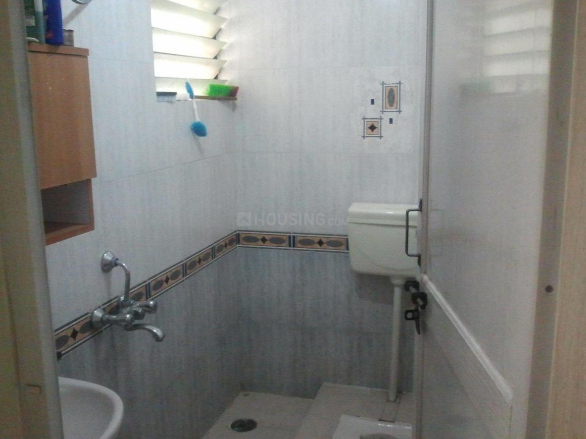 Common Bathroom Image of 850 Sq.ft 2 BHK Apartment for buy in Nagarbhavi for 4900000