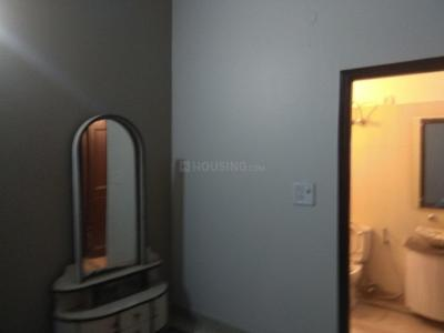 Gallery Cover Image of 1000 Sq.ft 3 BHK Apartment for rent in Chhattarpur for 18500
