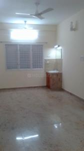 Gallery Cover Image of 1500 Sq.ft 3 BHK Apartment for rent in Velachery for 35000