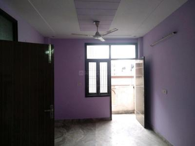Gallery Cover Image of 650 Sq.ft 2 BHK Apartment for rent in Bali Nagar for 18000