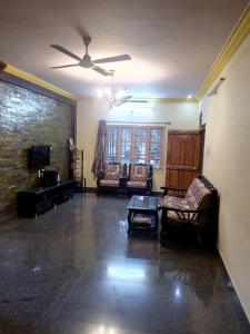 Gallery Cover Image of 2000 Sq.ft 5 BHK Independent Floor for rent in Yeshwanthpur for 35000