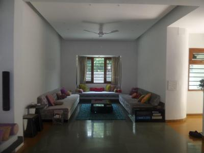Gallery Cover Image of 3000 Sq.ft 5+ BHK Independent House for rent in Wadgaon Sheri for 250000