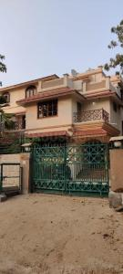 Gallery Cover Image of 3600 Sq.ft 3 BHK Independent House for buy in Thaltej for 65000022