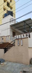 Gallery Cover Image of 1200 Sq.ft 2 BHK Independent House for rent in Akshayanagar for 8000