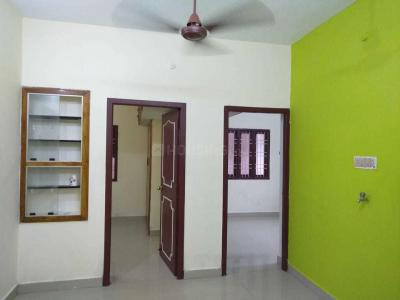 Gallery Cover Image of 850 Sq.ft 2 BHK Apartment for rent in Selaiyur for 13000