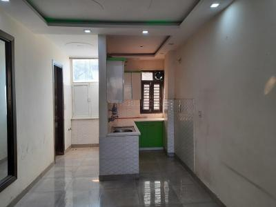 Gallery Cover Image of 650 Sq.ft 2 BHK Independent Floor for rent in Dwarka Mor for 10000