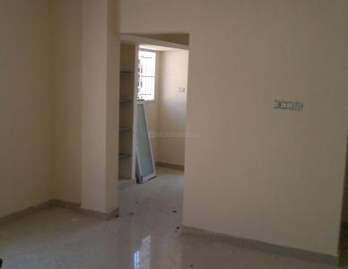 Gallery Cover Image of 1200 Sq.ft 2 BHK Apartment for rent in  South kolathur for 10000