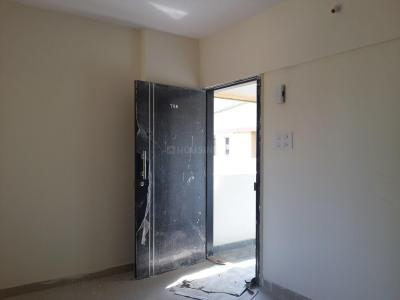 Gallery Cover Image of 512 Sq.ft 1 BHK Apartment for rent in Malad East for 27000