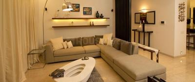 Gallery Cover Image of 1012 Sq.ft 2 BHK Apartment for rent in Khar West for 130000