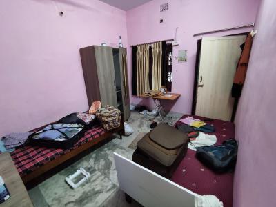 Bedroom Image of Agarwal Paying Guest in Tollygunge