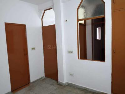 Gallery Cover Image of 600 Sq.ft 1 BHK Independent Floor for rent in Chhattarpur for 11000